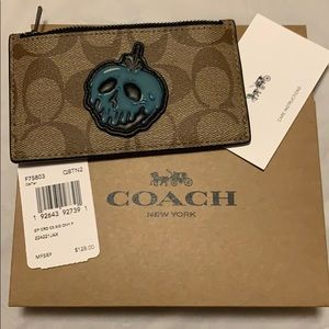 Coach Zip Card Holder Snow White Poison Apple